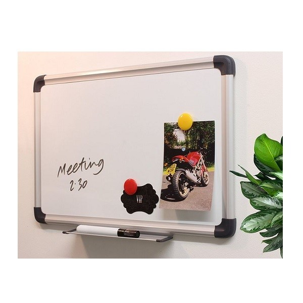 🧲 Magnetic Whiteboard